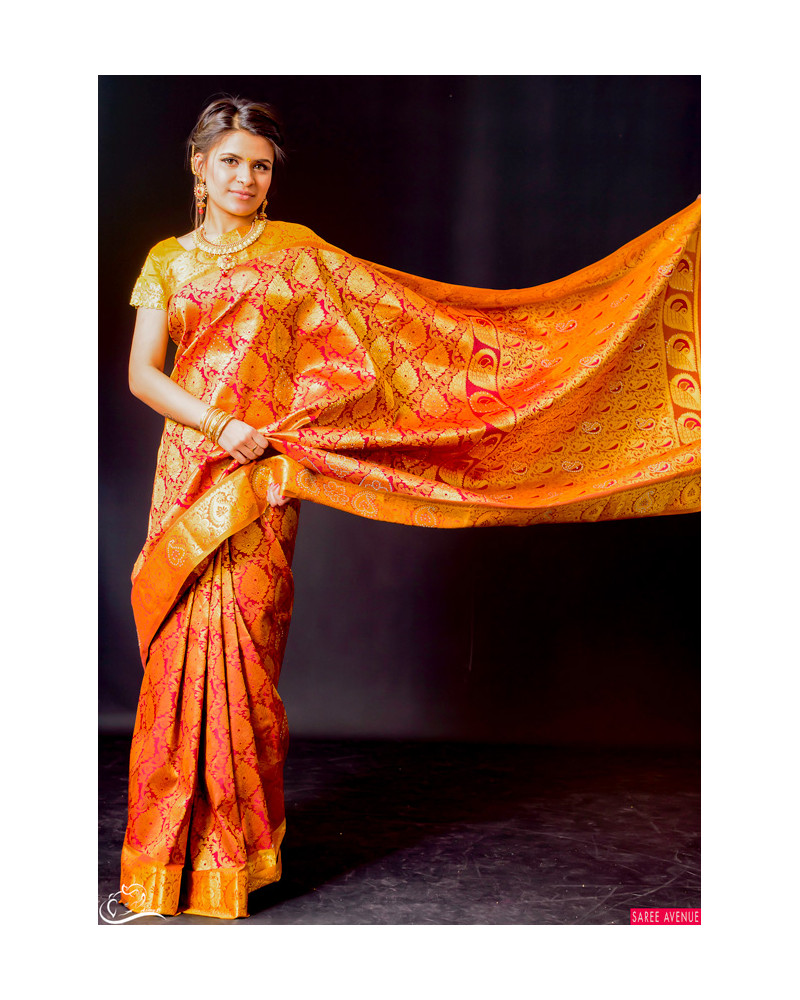 Kanchipuram silk saree rouge et or